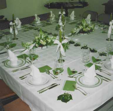 Servietten falten fur kommunion interior design und for Tisch design servietten